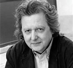 Pierre HASKI : giornalista, inizia la sua carriera nel 1974 per l'Agence France-Presse (AFP), corrispondente in Sud Africa dal 1976 al 1980. Raggiunse poi la staff del quotidiano Libération nel 1981. Dapprima responsabile della sezione Africa, fu poi incaricato della sezione diplomatica tra il 1988 e il 1993. Ebbe una serie di incarichi internazionali dal Sud Africa, Gerusalemme (1993-1995), e la Cina (2000-2005), come capo della divisione corrispondenti dal 1995 al 2000. Fu residente a Pechino dal 2000 al 2005 dove tenne un blog sul sito web del giornale Mon Journal de Chine, il cui accesso fu bloccato dalle autorità cinesi.